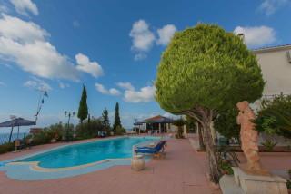 gallery garbis villas pool decor