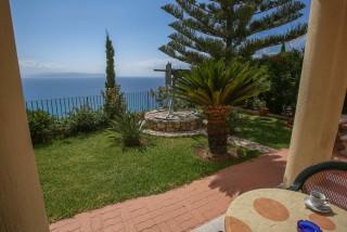 gallery garbis villas sea view room