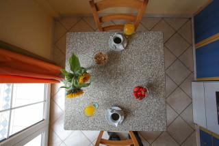 gallery garbis villas table