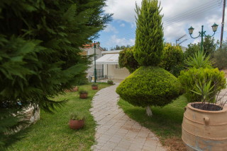 gallery garbis villas the garden